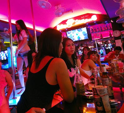 bar girls pattaya