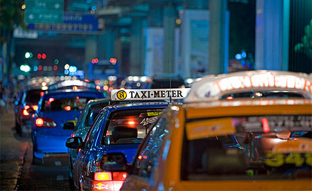 taxi bangkok by night